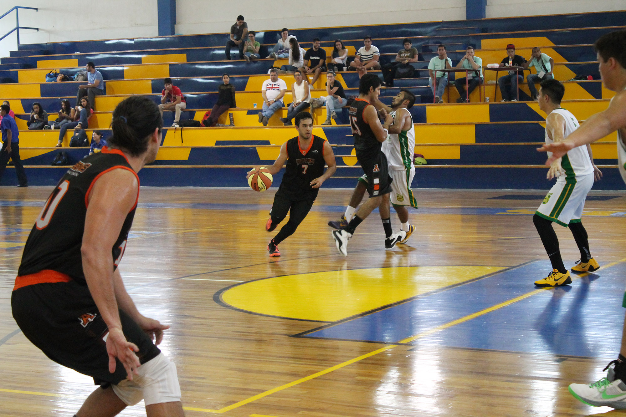 Universiada nacional 2015-basquetbol  ITESM Guadalajara vs Universidad Marista de Merida-foto Norma Martinez 4